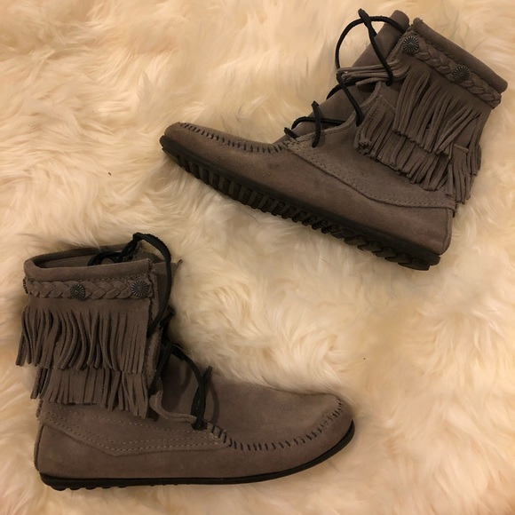 Minnetonka Shoes Minnetonka Tramper Ankle Hi Boot Poshmark